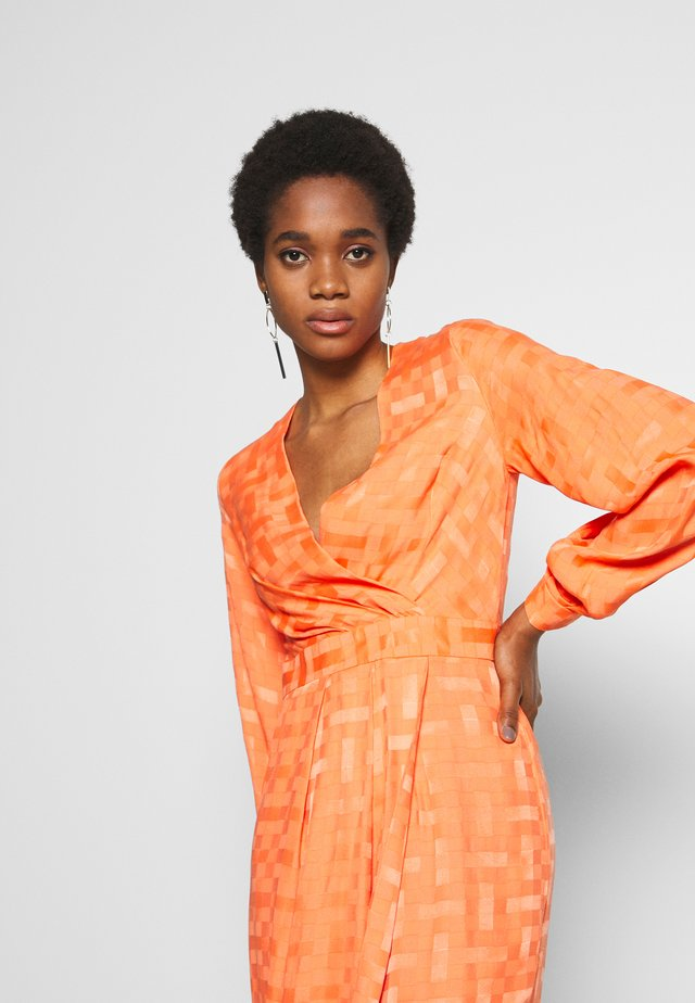 PLEATED WRAP DRESS - Day dress - orange