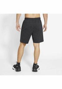 Nike Performance - YOGA - Träningsshorts - off noir/black/(gray) - 2
