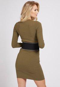 Guess - ATIFA DRESS - Jumper dress - grün - 2