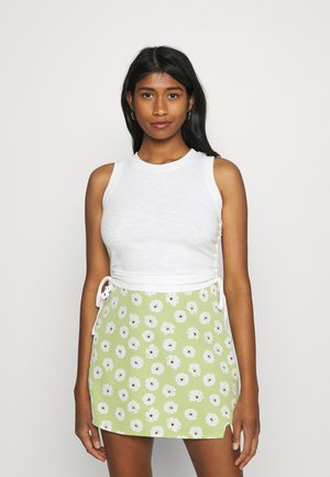RUCHED TANK WITH TIE DETAILS AND ROUND NECKLINE - Top - white
