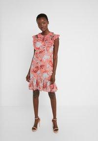 Three Floor - EXCLUSIVE DRESS - Vestido de cóctel - red/multi-coloured - 0