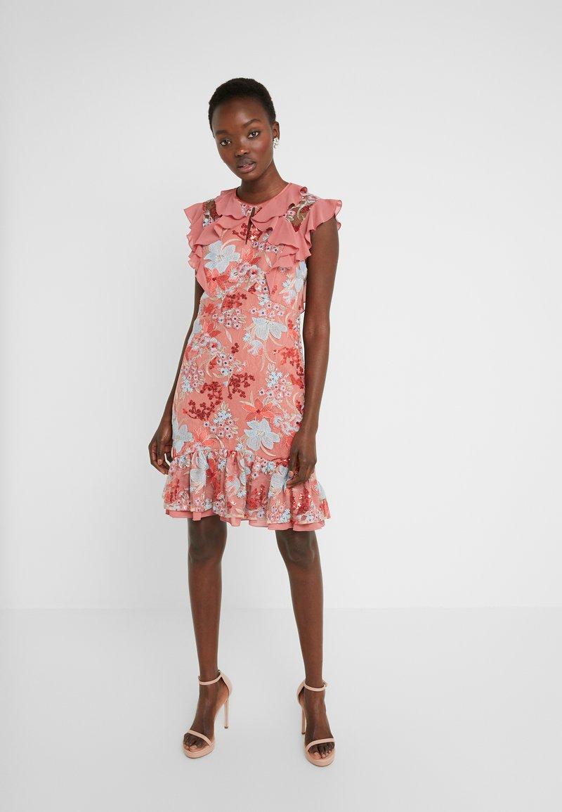Three Floor - EXCLUSIVE DRESS - Vestido de cóctel - red/multi-coloured