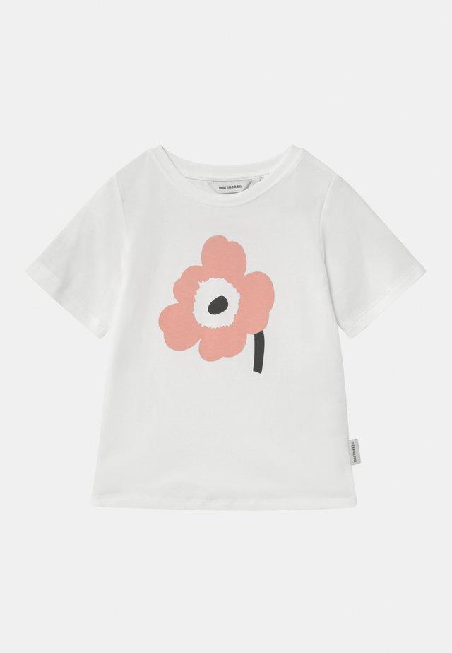 SOIDA UNIKKO - T-shirt print - white/rose/black