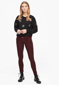 s.Oliver - Jeans Skinny Fit - burgundy - 1