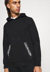Calvin Klein Performance - HOODIE - Felpa con cappuccio - black - 5