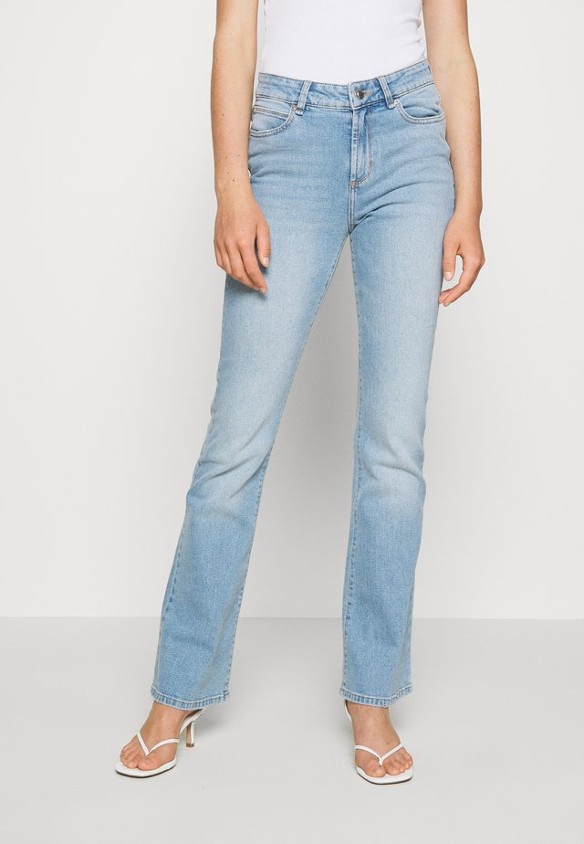TARA MEMPHIS - Flared jeans - denim blue