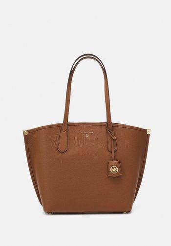 JANE TOTE - Tote bag - luggage