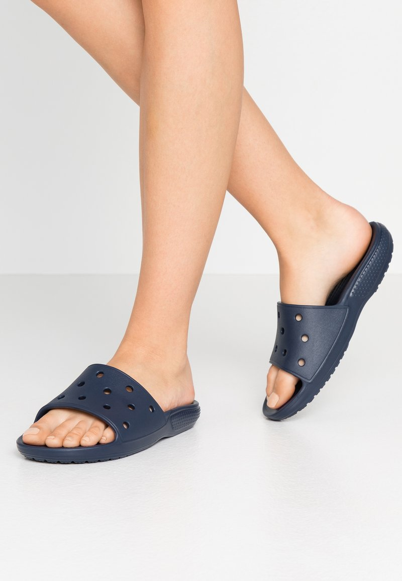 Crocs - CLASSIC SLIDE UNISEX - Sandalias planas - navy