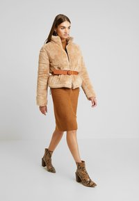 Hollister Co. - NUBBY FASHION PUFFER - Winter jacket - tan - 1