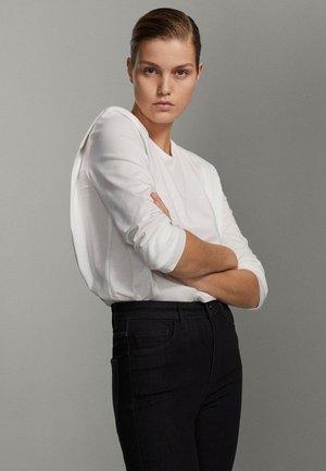 SHIRT AUS REINER BAUMWOLLE MIT ZIERFALTEN - Long sleeved top - white