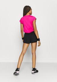 Nike Performance - DRY SHORT - kurze Sporthose - black/black - 2