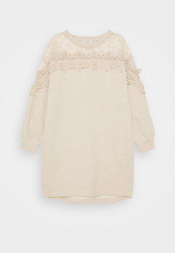 KALANIE DRESS - Denní šaty - oat melange