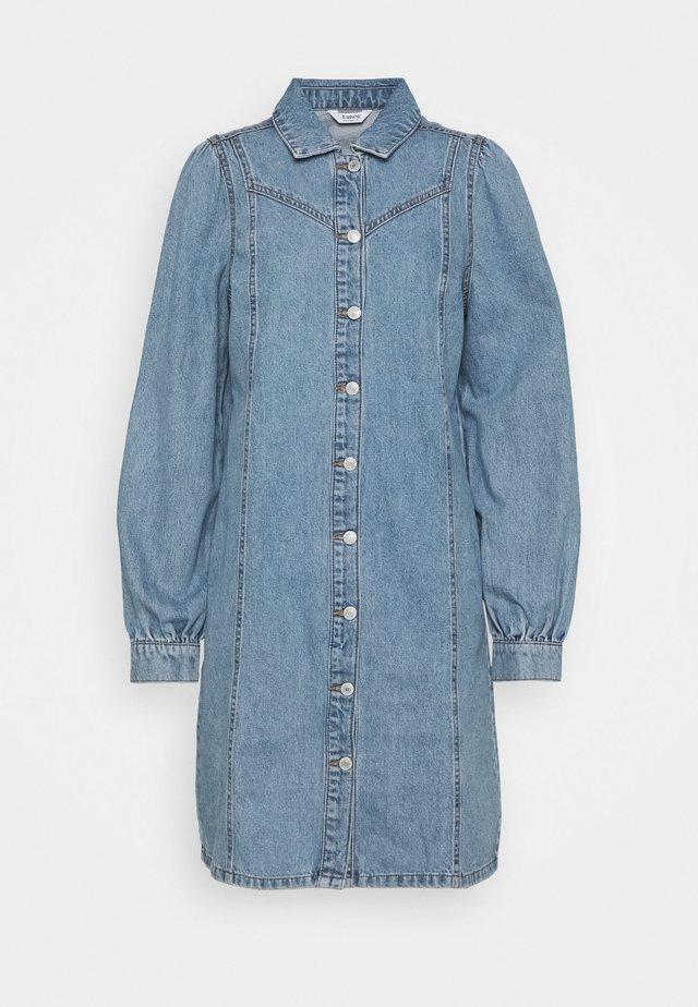 BYLYRA  - Denimové šaty - ligth blue denim