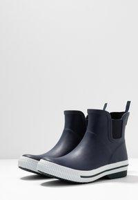 Vero Moda - VMANDREA BOOT - Wellies - navy blazer - 4