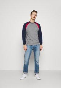 Lyle & Scott - THREE PANEL - Sweatshirt - mid grey marl - 1