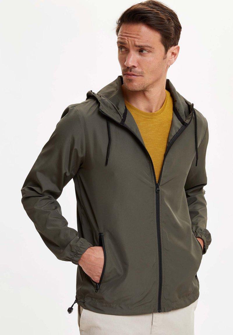 DeFacto - veste en sweat zippée - khaki