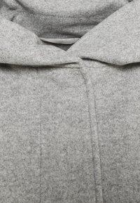 Vero Moda - VMDAFNEDORA - Zimní kabát - light grey melange - 5