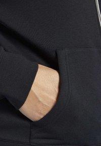 Reebok - TRAINING ESSENTIALS FULL-ZIP HOODIE - Bluza rozpinana - black - 4