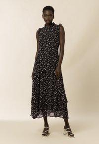 IVY & OAK - Maxi dress - aop- black - 0