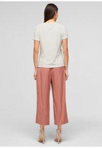 s.Oliver BLACK LABEL - MIT FRONTPRINT - Print T-shirt - white - 2