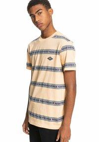 Quiksilver - Print T-shirt - apricot mixtape aop - 3