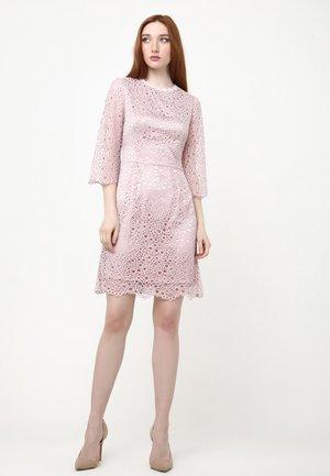 SONATERA - Shift dress - lavendel rosa