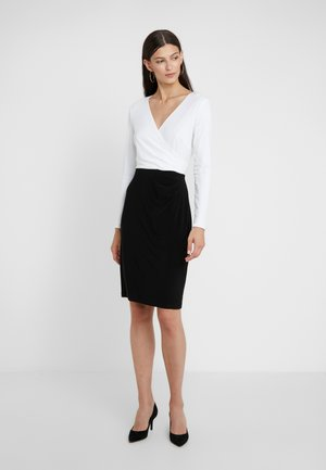 MID WEIGHT TONE DRESS - Robe fourreau - black/ white
