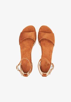 Wedge sandals - braun-mittel