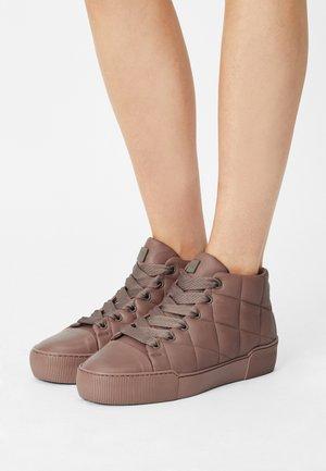 STEPPER - Baskets montantes - mauve