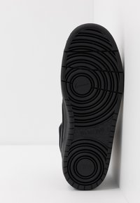 Nike Sportswear - COURT BOROUGH MID  - Zapatillas altas - black - 5