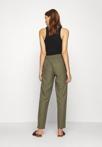 Saint Tropez - YOLANDA PANTS - Bukse - army green - 2