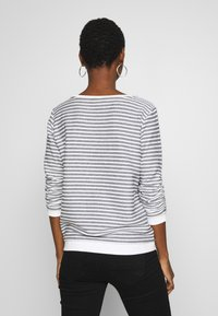 TOM TAILOR DENIM - STRIPED - Sweatshirt - white - 2