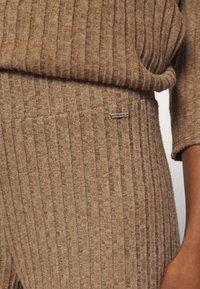 Herrlicher - CIEL BRUSHED  - Trousers - camel melange - 4