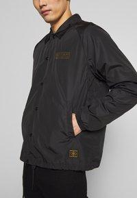 Belstaff - TEAMSTER JACKET PRINT - Summer jacket - black - 6