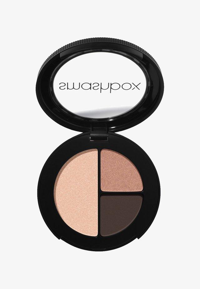 PHOTO EDIT EYE SHADOW TRIO 3,2 G - Eyeshadow palette - 493a35, c28f7d, ebc0ab double tap