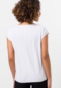 zero - Print T-shirt - white - 2