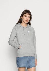 Nike Sportswear - HOODIE - Sweat à capuche - dark grey heather/white - 0