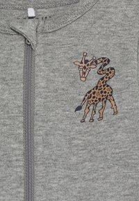 Name it - NBMNIGHTSUIT  ZIP GIRAFFE 2 PART - Pyjamas - grey melange - 3
