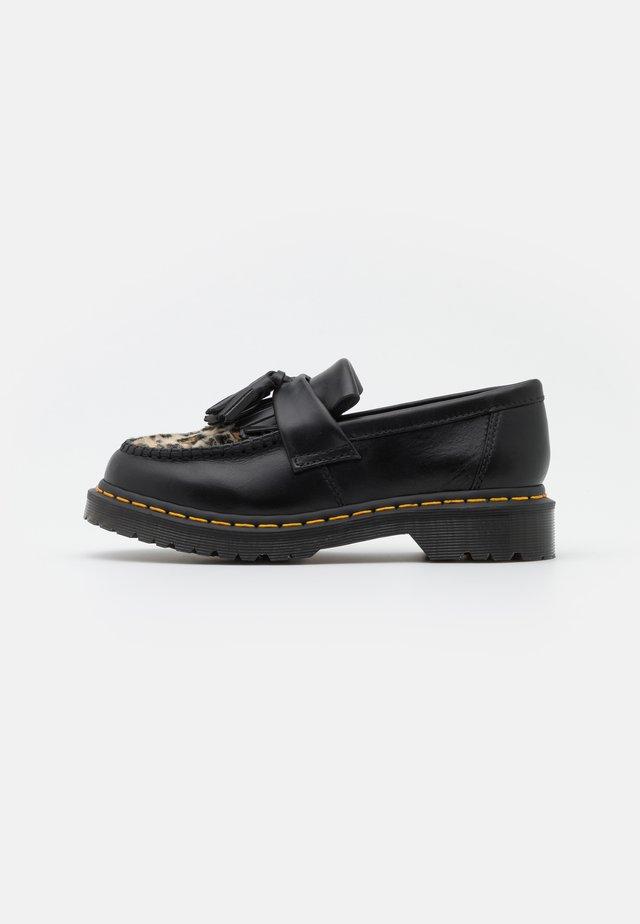 ADRIAN FLUFF - Loaferit/pistokkaat - dark grey/tan/black