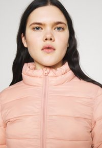 ONLY - ONLSANDIE QUILTED JACKET  - Light jacket - misty rose - 3