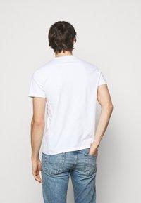Polo Ralph Lauren - CUSTOM SLIM FIT JERSEY T-SHIRT - T-shirt basic - white - 2