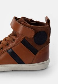Friboo - LEATHER BOOTIES - High-top trainers - cognac - 5