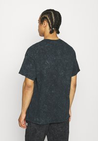 Vintage Supply - CORE OVERDYE - T-shirt z nadrukiem - black - 2