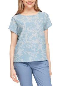 s.Oliver - Print T-shirt - light blue aop - 3