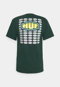 HUF - WORKMANS TEE - Print T-shirt - dark green - 1