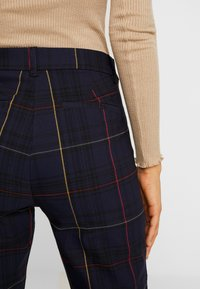 Gap Tall - ANKLE BISTRETCH - Kalhoty - grid plaid - 5