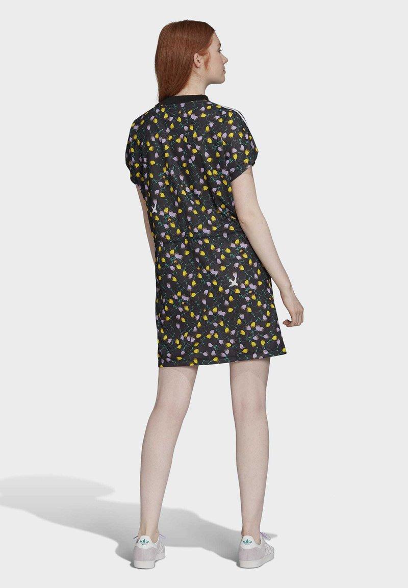 Adidas Originals Allover Print Tee Dress Robe En Jersey Multicolour Multicolore Zalando Fr
