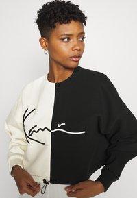 Karl Kani - SIGNATURE CROPPED BLOCK CREW - Sweatshirt - off white - 3