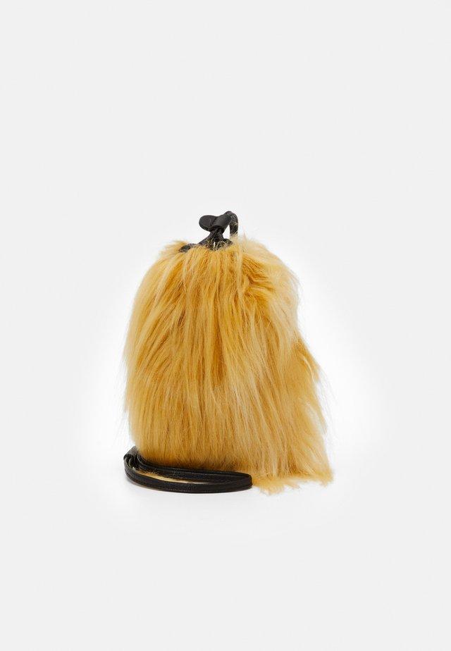 UNISEX - Across body bag - light caramel/black