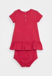 Polo Ralph Lauren - BEAR DRESS  - Robe en jersey - nantucket red - 1